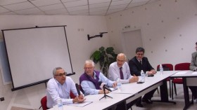 Отляво надясно: Иван Костов, бизнесменът Иван Тенев, Иван Иванов и третият в листата д-р Станимир Трошев
