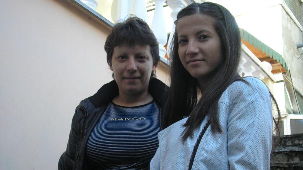 Две млади дами партнират на майка си в бизнеса