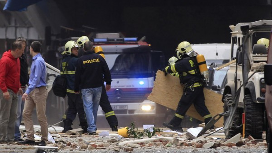 Мощен взрив в центъра на Прага