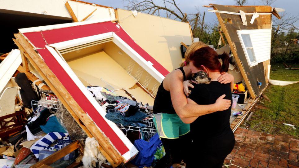 Кърваво торнадо вилня в Оклахома