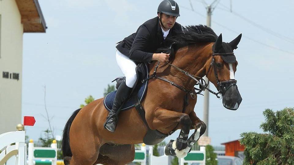 Ивайло Бонев взе 2 медала в Австрия, прави коледно шоу в Гърция