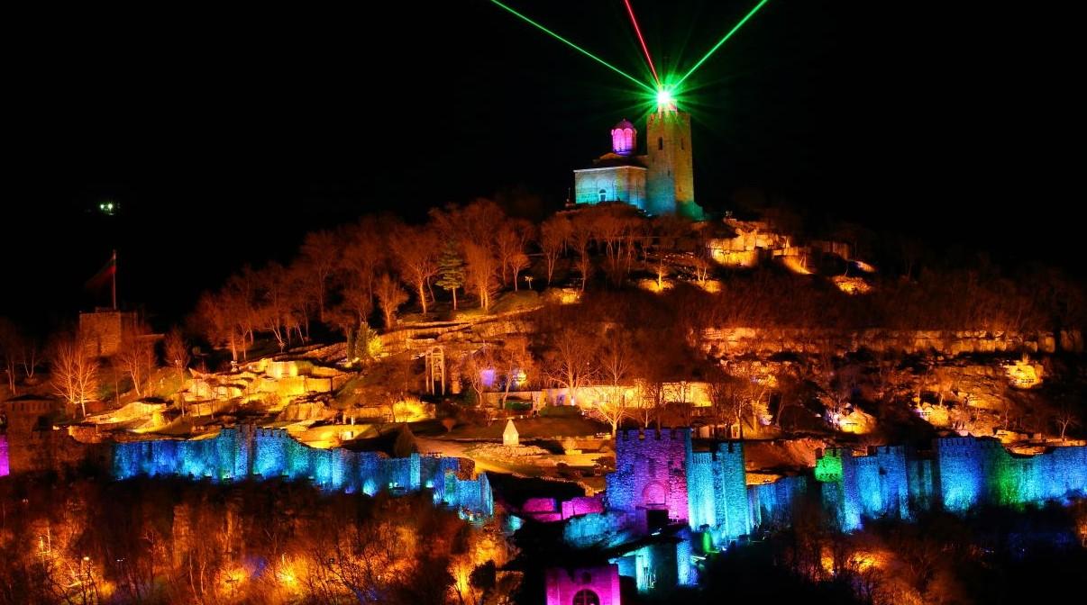 600 факли осветяват Царевец в нощта на Възкресение