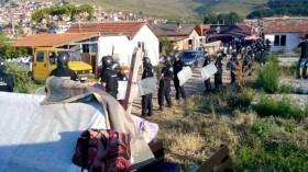 Събориха 18 незаконни ромски постройки, утре акцията продължава (СНИМКИ+ВИДЕО)