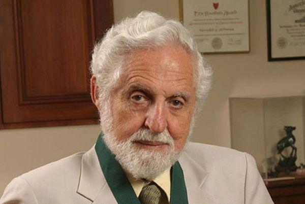 Бащата на хапчето антибебе проф.  Джераси почина на 91 г. в Сан Франциско