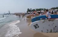 От 1 юни Централният плаж в Бургас предлага безплатно 250 чадъра и 150 шезлонга