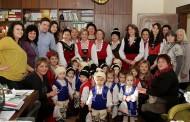 Деца от детски градини и ясли коледуваха днес в Община Стара Загора