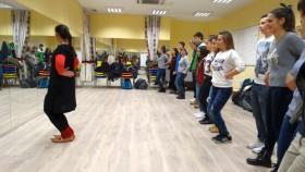 Уроци по народни танци за гостенчетата