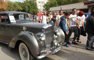 Централната пешеходната алея на Стара Загора събра над 100 ретро автомобила