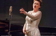 Магическото пеене на една българка