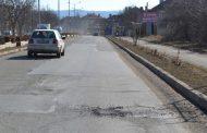 В Казанлък започна запълването на уличните дупки след зимата