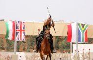 Нина поразява 5 мишени от кон за по-малко от 22 секунди