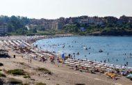 Отчитат бум на туристи в малките курорти по морето
