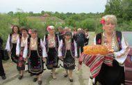 С родопски гайди, народни борби и курбан празнува Великово