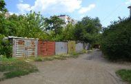 Община Казанлък продължава поетапно премахването на металните гаражи