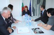 Областният управител Гергана Микова се срещна с регионалния мениджър на EVN Робърт Дик