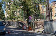 """Започна ремонтът на компрометираната част от оградата на II ОУ """"П. Р. Славейков"""" в Стара Загора"""