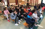 Ученици от българско училище в Ирландия със скайп урок от РИМ