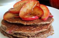 Пълнозърнести палачинки с ябълки