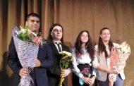 """Единадесетокласничка от ГПЧЕ """"Ромен Ролан"""" спечели битката за кмет на Млада Загора"""