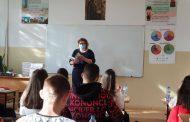 Проф. Минко Балкански дари ученици със своя автобиографична книга и с пожелания