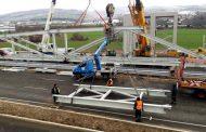 Старозагорски холдинг монтира три 70-тонни пешеходни моста в София