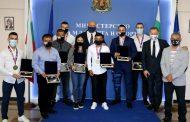 Министър Кралев награди медалистите от ЕП по вдигане на тежести, сред тях и Валентин от Стара Загора