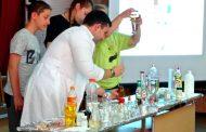 """Старозагорски ученици станаха """"студенти"""" по химия и физика"""