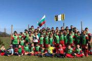 """Близо 100 деца тренират в Детски футболен клуб """"Филипов"""" в Казанлък"""