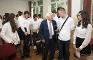 Старозагорски ученици се срещнаха със своя патрон проф. Минко Балкански