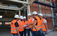 Търсят решение за комбиниране на жълт и зелен цвят по фасадата на жп гара Стара Загора