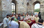 """Утре митрополит Киприан ще отслужи водосвет-молебен в Потопената църква на яз. """"Жребчево"""""""